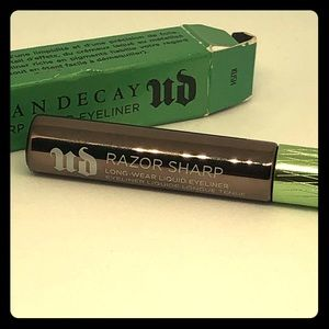 Urban Decay Razor Sharp Liquid Eyeliner * Ud *
